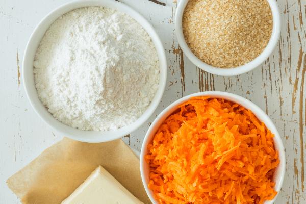 Ingrédients pour le gâteau à la carotte