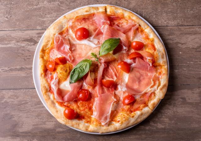 Pizza margarita surgelée